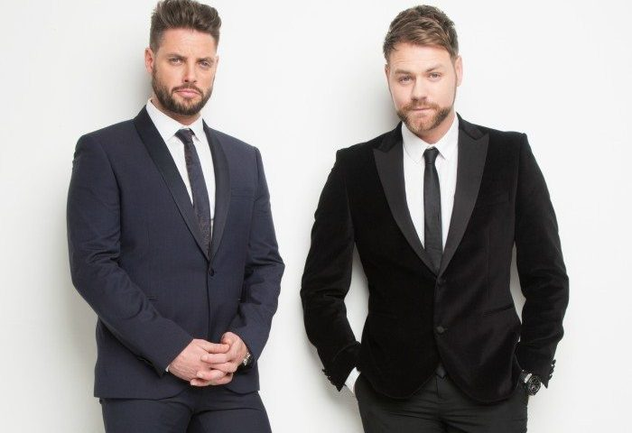 Keith Duffy fra Boyzone og Brian McFadden fra Westlife kommer til Aalborg Foto: PR