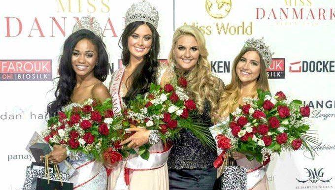 Top 3 sammen med Miss Danmark-direktør Lisa Lents Peter Olsen/Omega Foto/missdanmark.dk