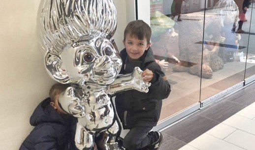 To trolde Mathias & Lucas møder sølvtrolden i Shoppen