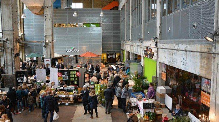 Fødevaremarkedet foregår i Nordkrafts Kedelhal. Foto: Fødevaremarked i Nordkrafts Facebook-side
