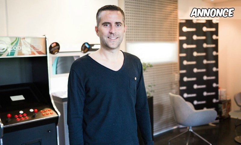 Jacob Risgaard er klar til at gøre lidt ekstra ud af Black Friday med 12 timers live tv