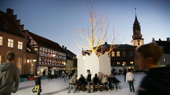 Der plejer at herske fred og ro på skøjtebanen i hjertet af Aalborg.