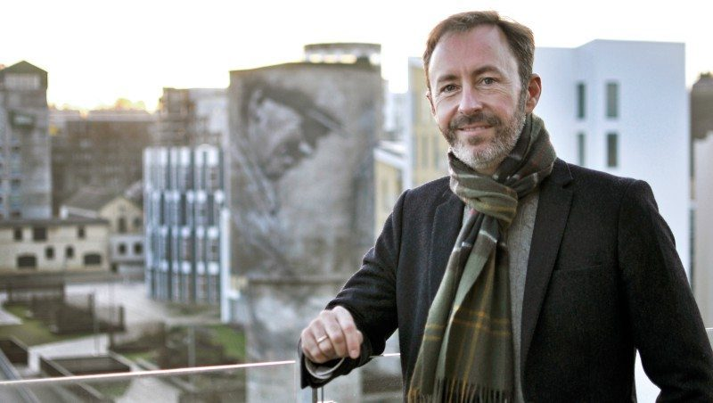 Carsten Enggaard på terrassen hos STORM advokater med view ud over Eternitten Foto: Redaktionen