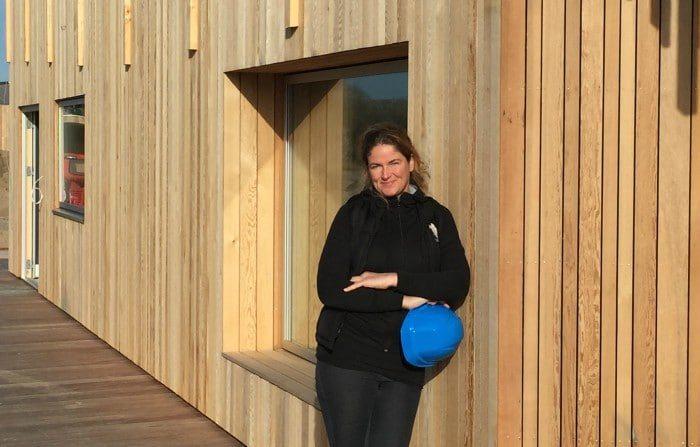 Katerina Komselis foran hvad der bliver den nye café i Vestre Fjordpark
