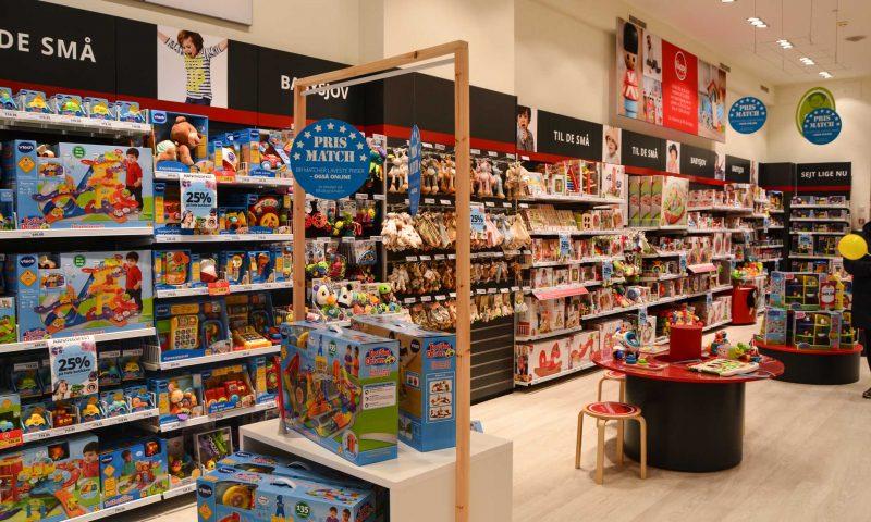 Kæden bag Fætter BR (her på billedet) og Toys'R'Us samler varerne i et kæmpe ophørsudsalg