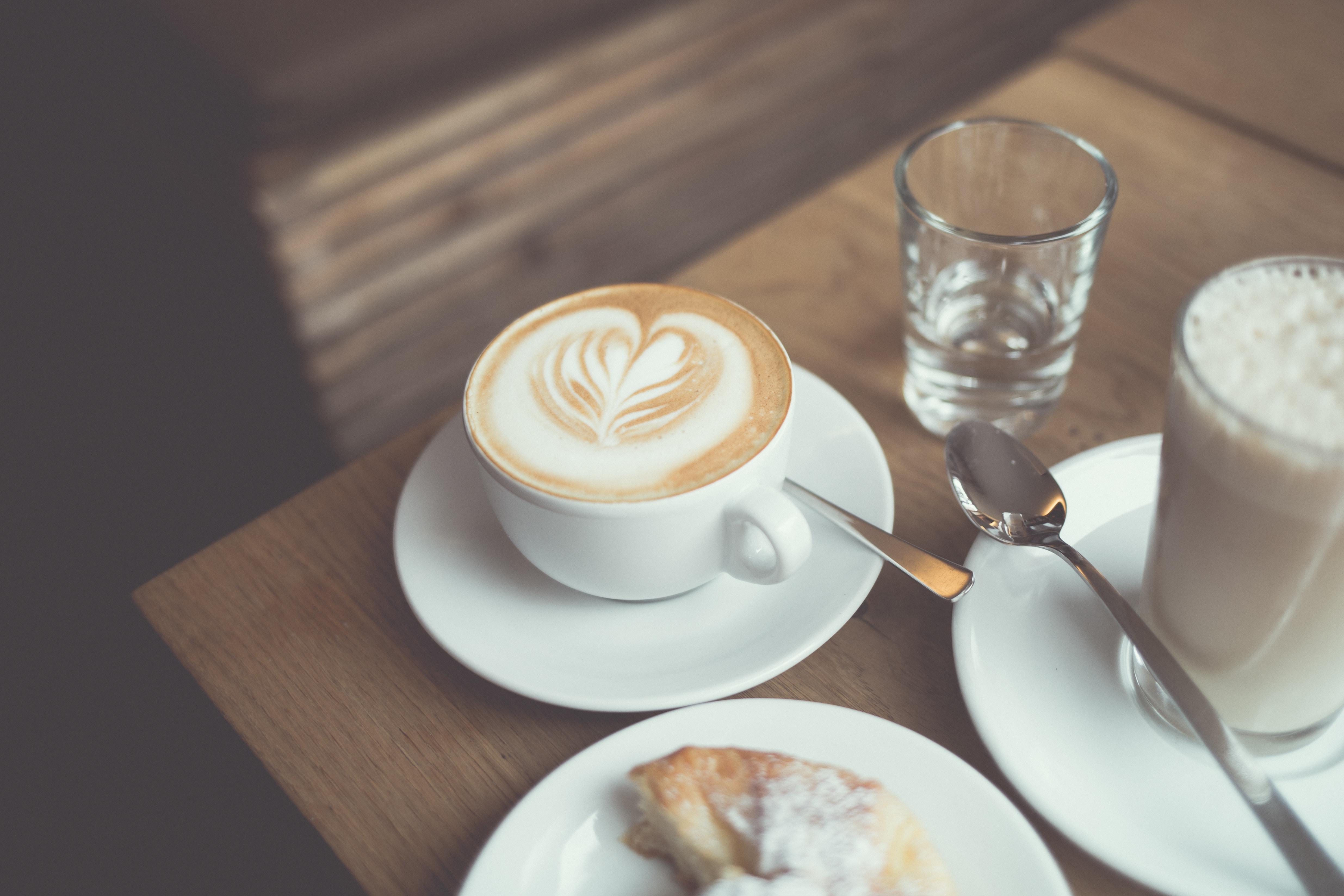 God kaffe og lækre kager: Her åbner ny kaffebar i to etager midt i Aalborg