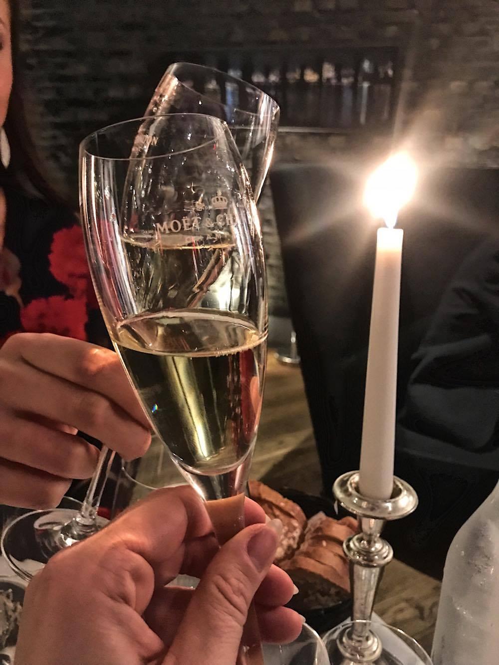 Champagne på Mortens Kro Aalborg