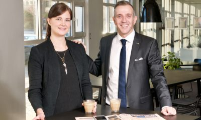 Jacqueline Taul er som blot 25-årig ny hotelchef. Her i selskab med regionsdirektør Mark Bering