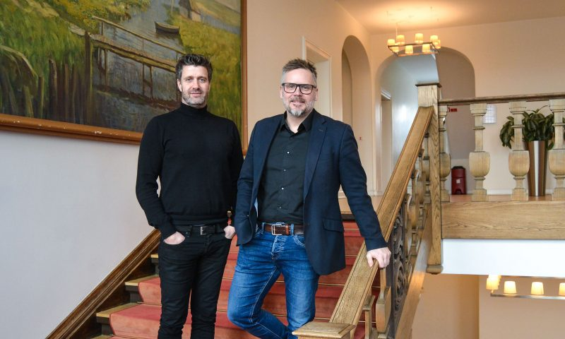 Søren Møller (venstre) og Ricky Thygesen står bag Aalborg-firmaet Waiteer