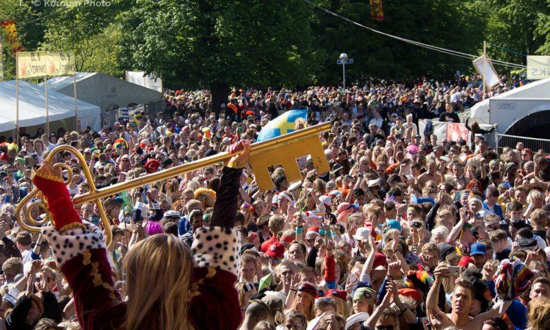 Sådan plejer det at se ud, når kongen/dronningen bliver hyldet til Aalborg Karneval