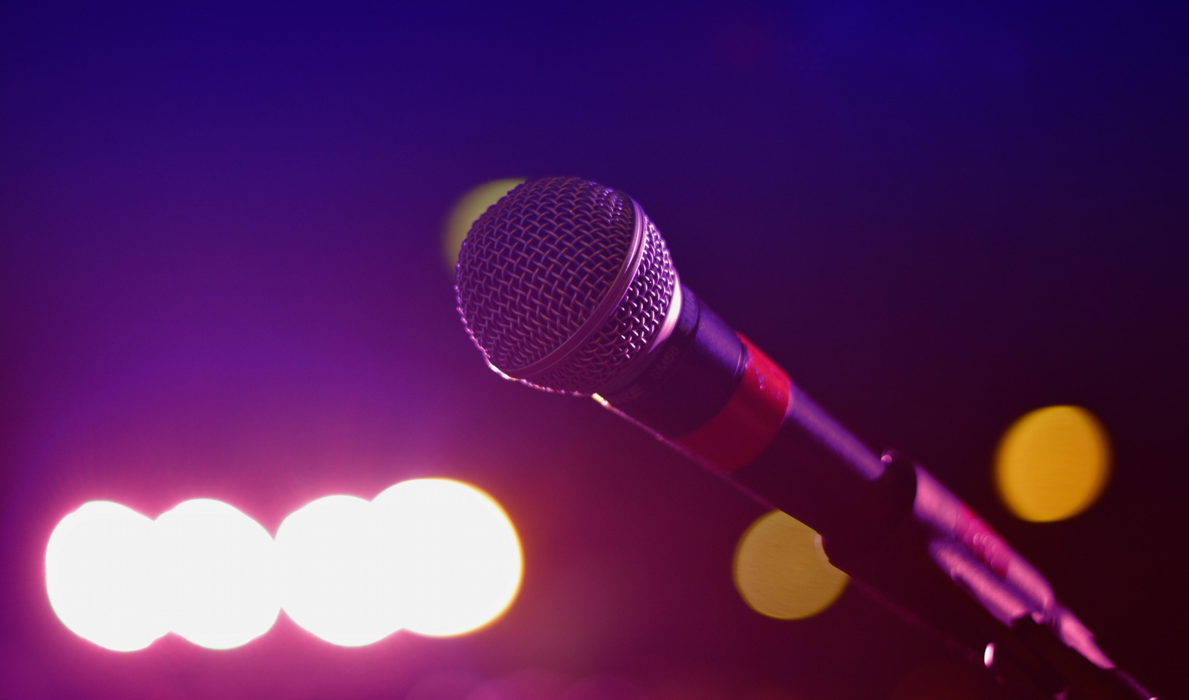 Stand-up show til 65 kr.: Kom til Comedy-aften på Aalborg Streetfood