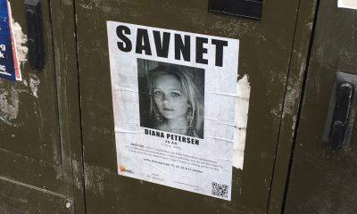 Sådan ser plakaterne ud i Aalborgs bybillede. Her er annonce-klistermærket dog røget af.