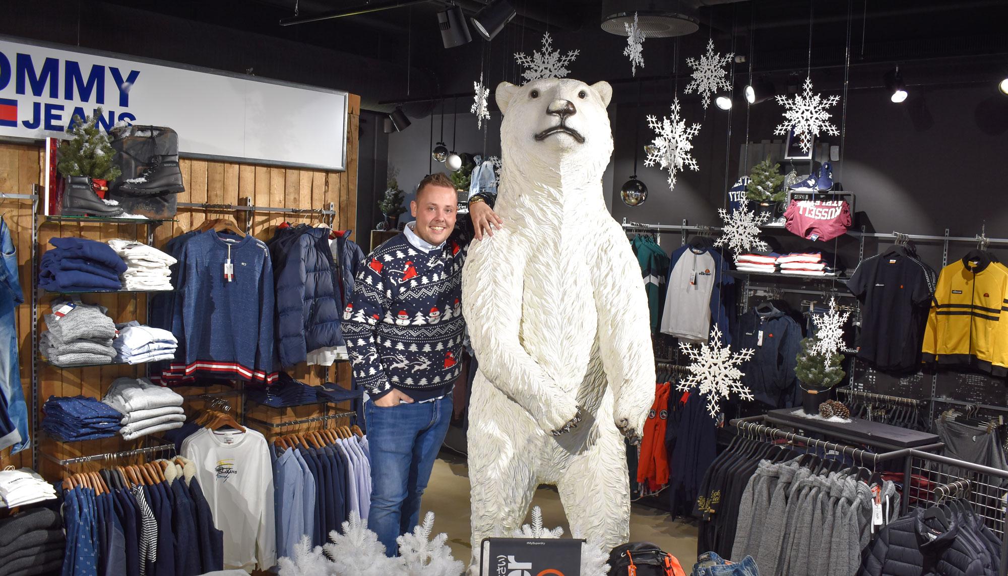 Isbjørn, julesweatre og vilde dekorationer: MATHstore går all in på jul
