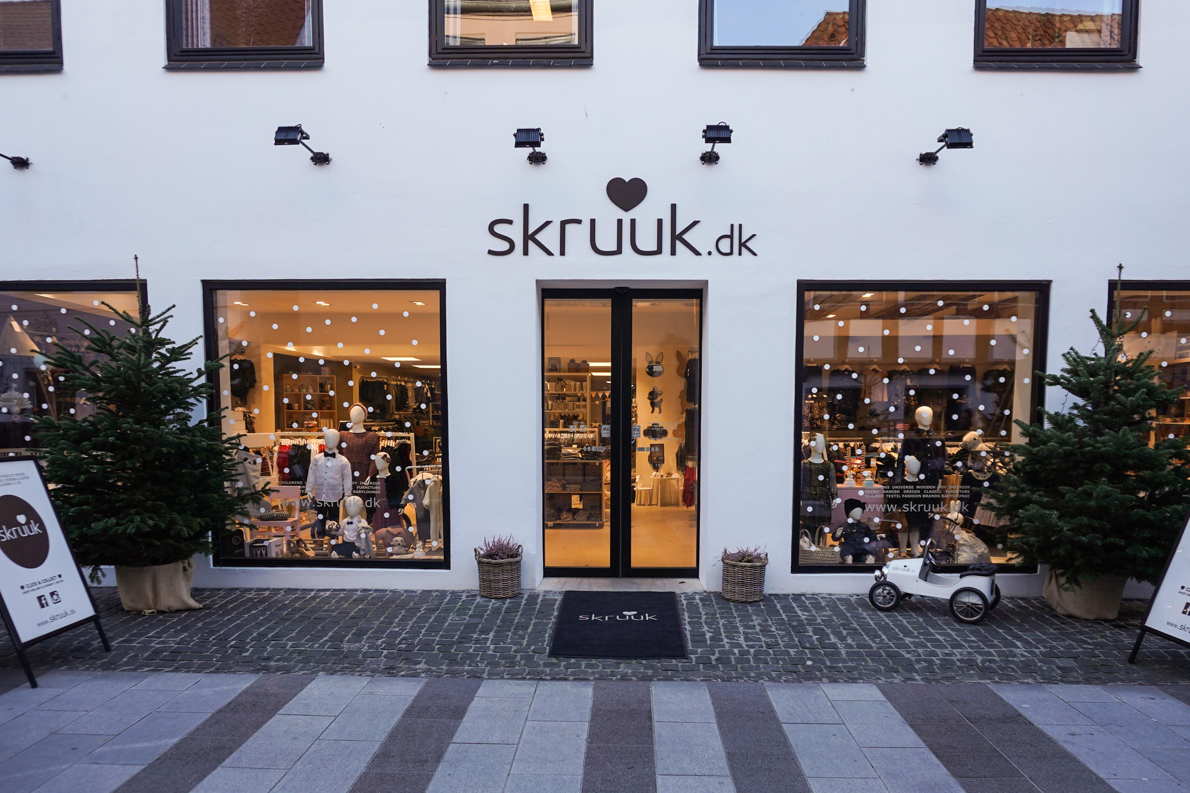 b9806dae985 Skruuk er et eksklusivt og hyggeligt børneunivers med en stor butik i  hyggelige Nørregade.