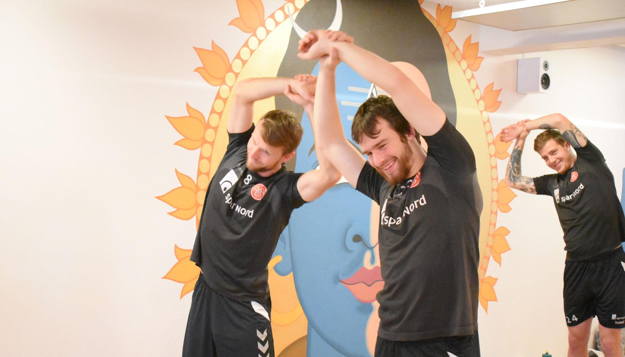 Nu kan de andre bare komme an: AaB satser på yoga som alternativ træning