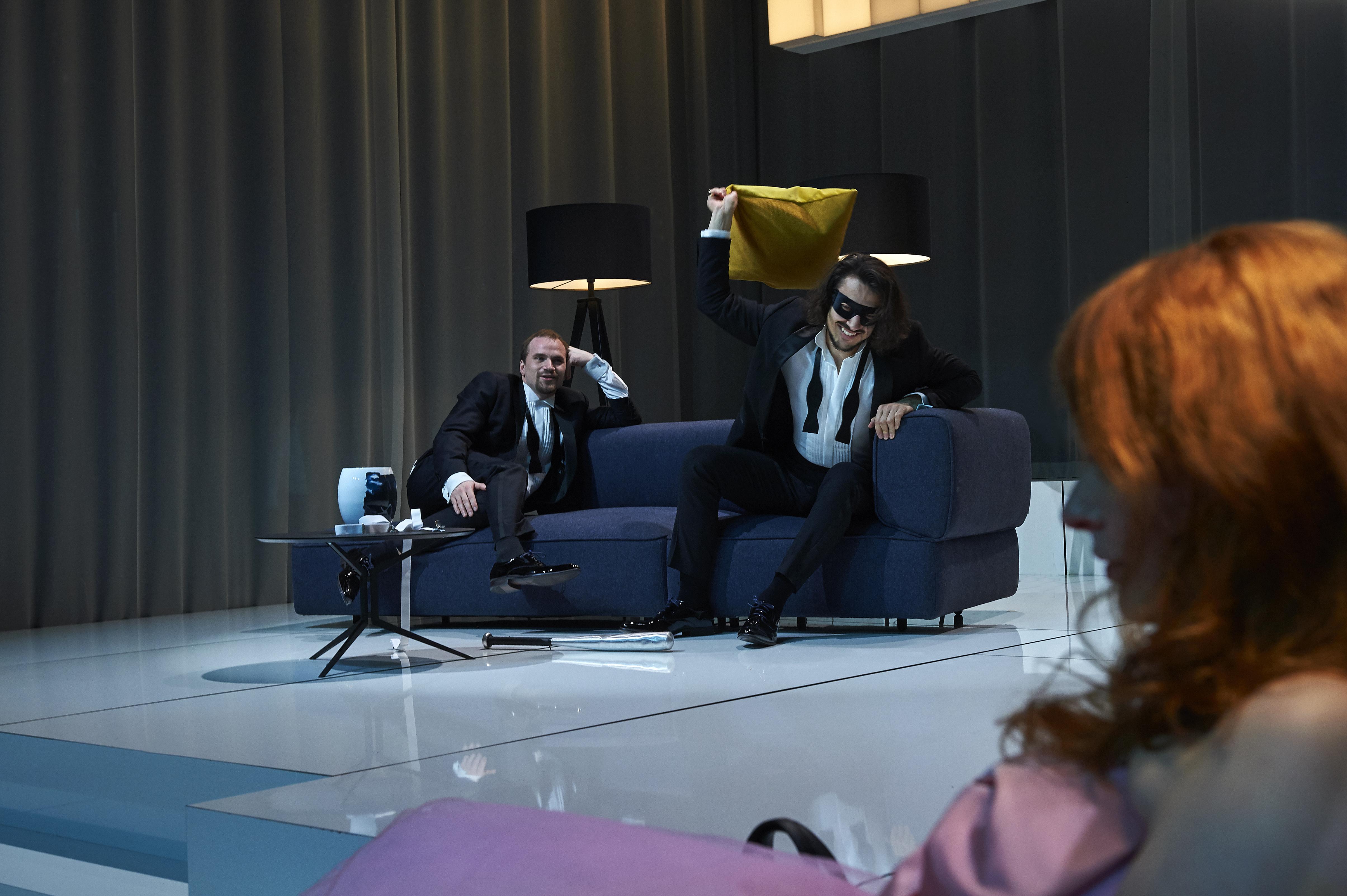 Udødelig klassiker i moderne format: Aalborg Teater opfører Et Dukkehjem