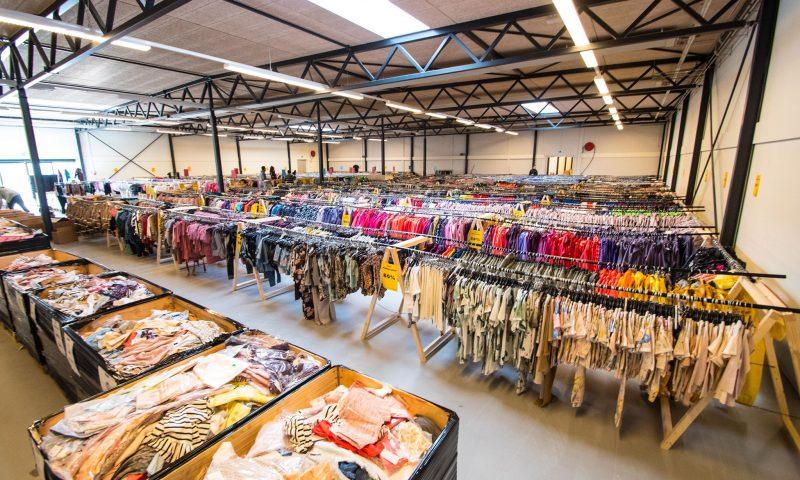 a9281df18683 1600 kvm. med fede mærker  Danmarks største børnetøjs-outlet åbner i Aalborg