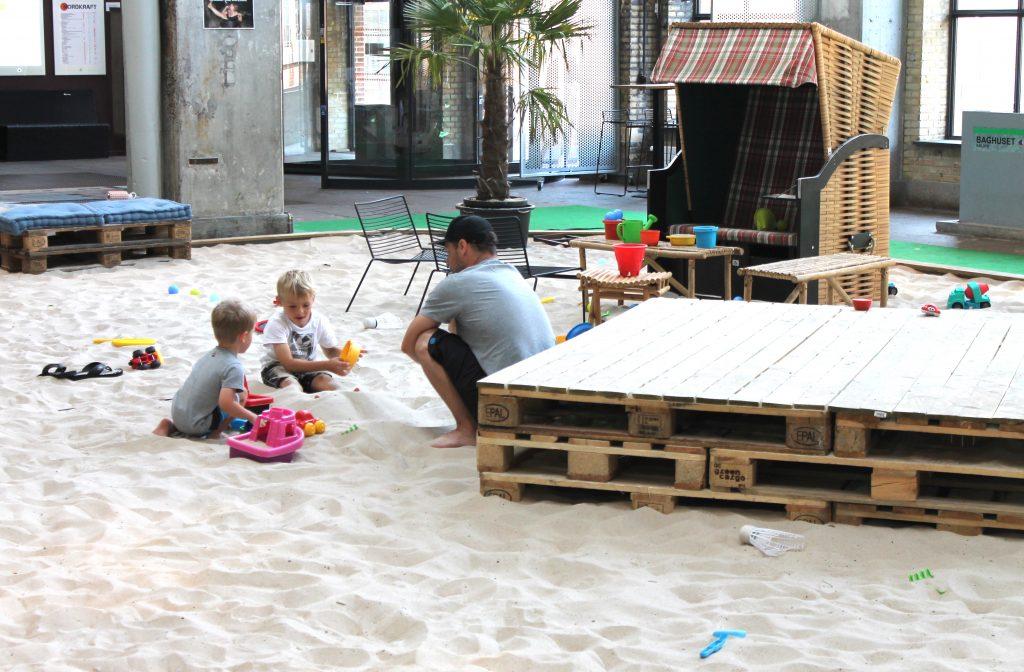 Sandstrand, comedy og drinks: Costa Del Nordkraft er klar med årets program