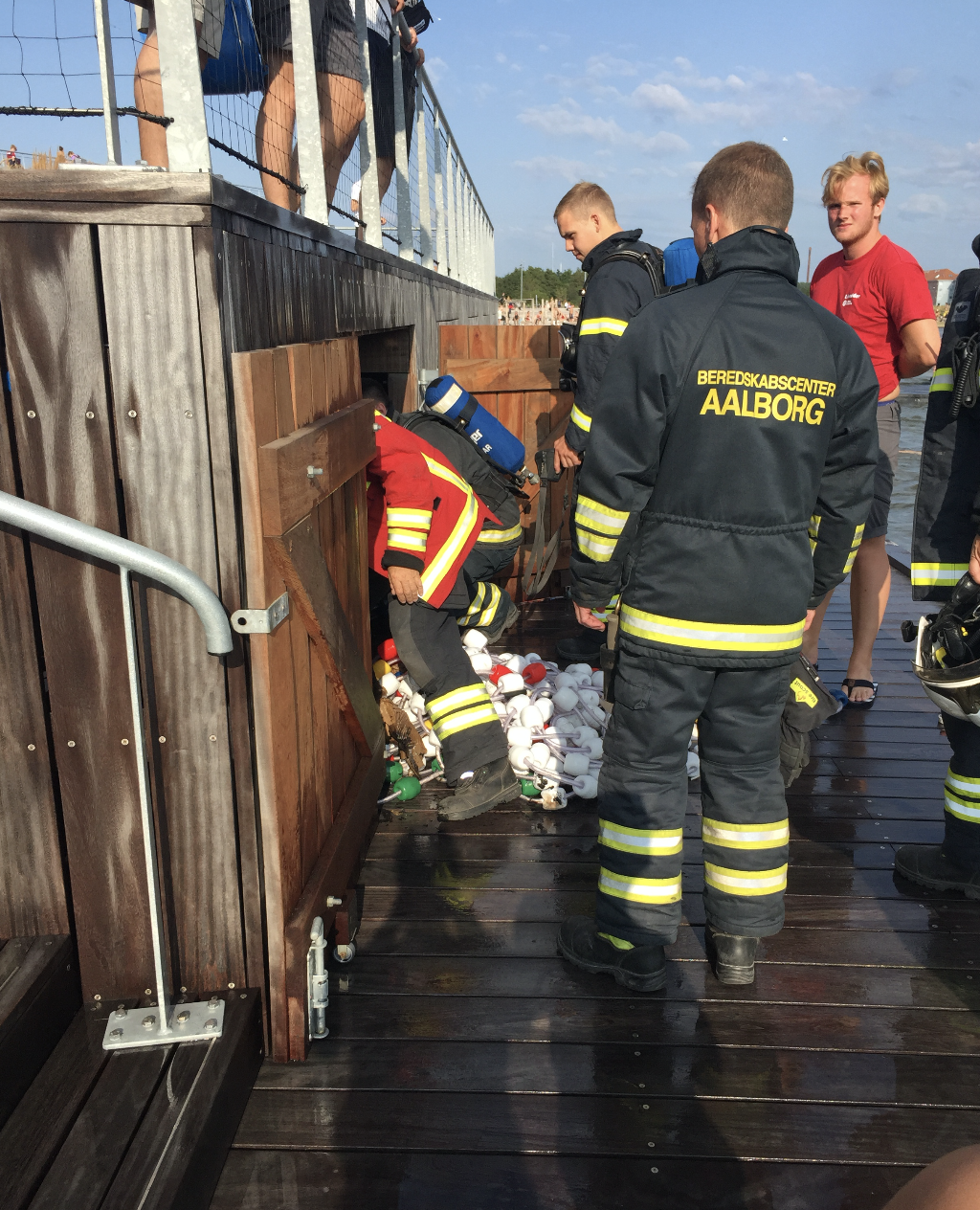Brand i Vestre Fjordpark: Politi og brandbiler blev tilkaldt