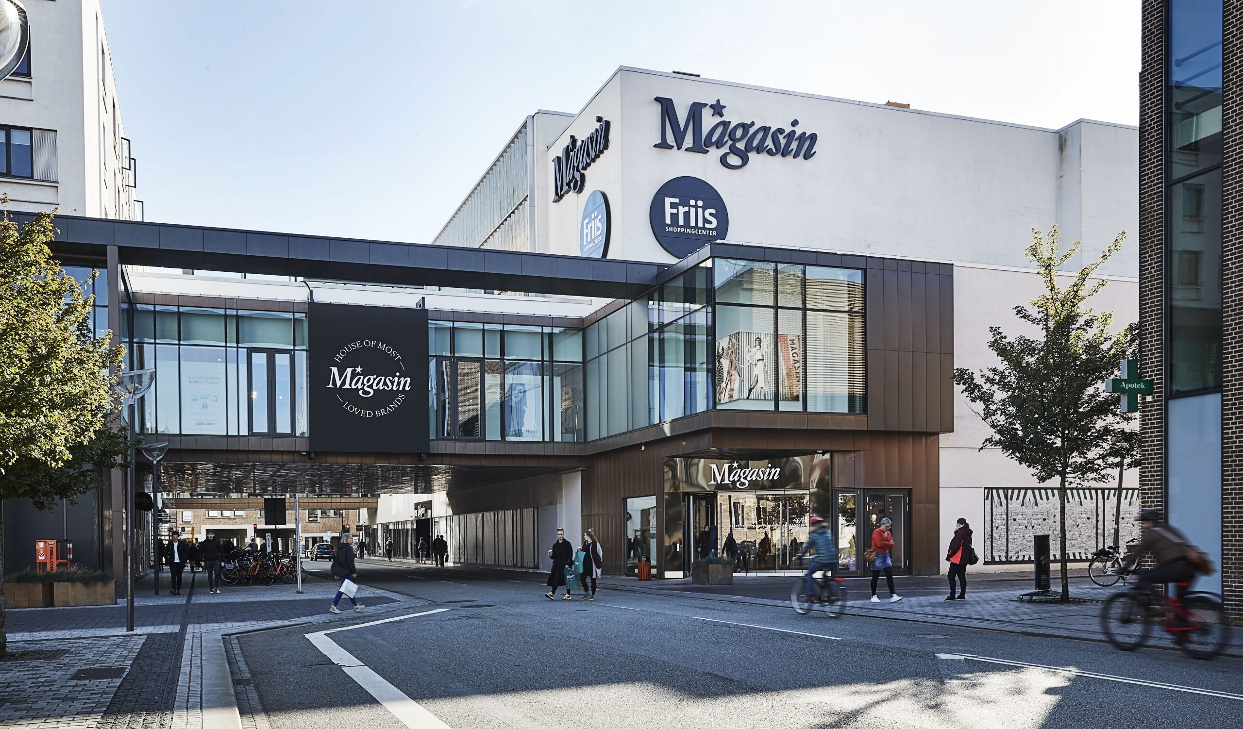 I dag genåbner de fleste butikker: Salling og Magasin venter lidt endnu