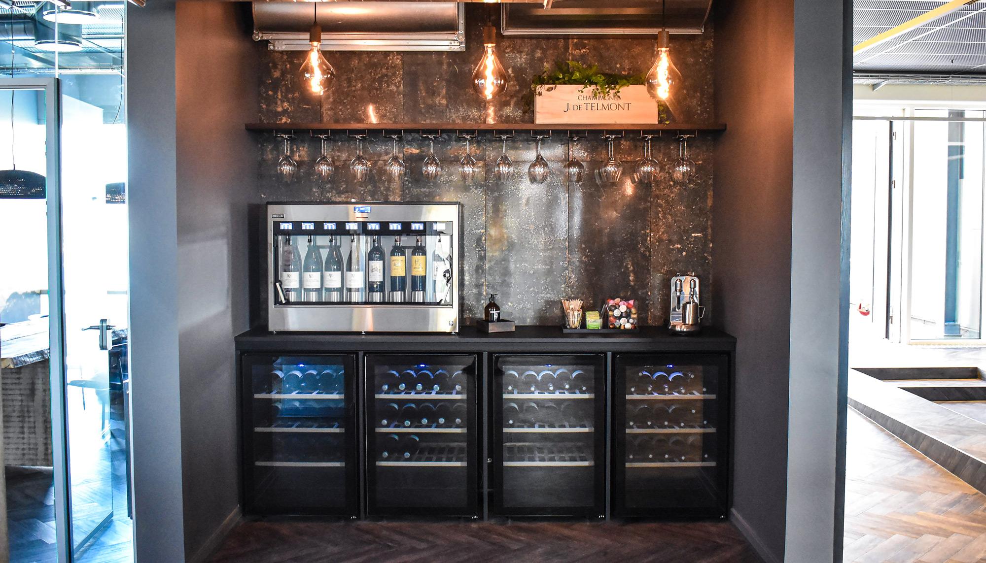 Vil være verdens førende Winetech-firma: RareWine opruster i Aalborg