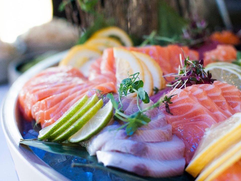 Nyd gastronomiske lækkerier derhjemme: Her kan du få gourmet take away i Aalborg