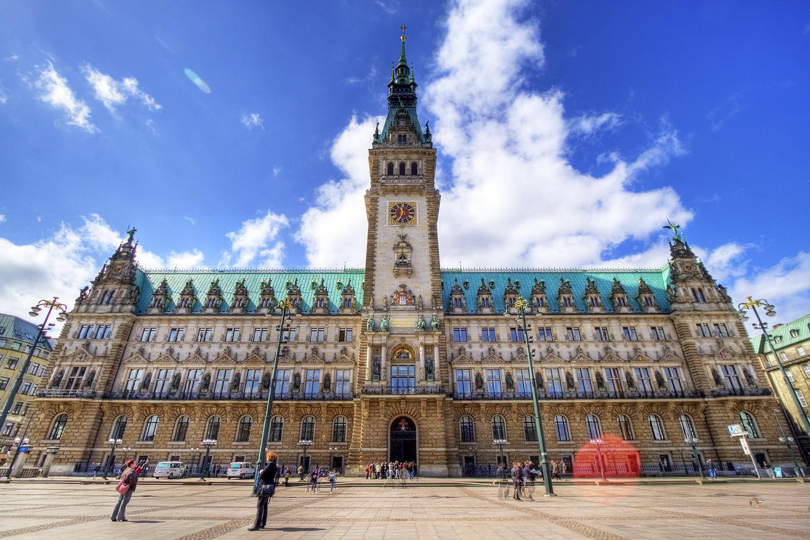 6 timer fra Aalborg: Det skal du opleve i skønne Hamborg