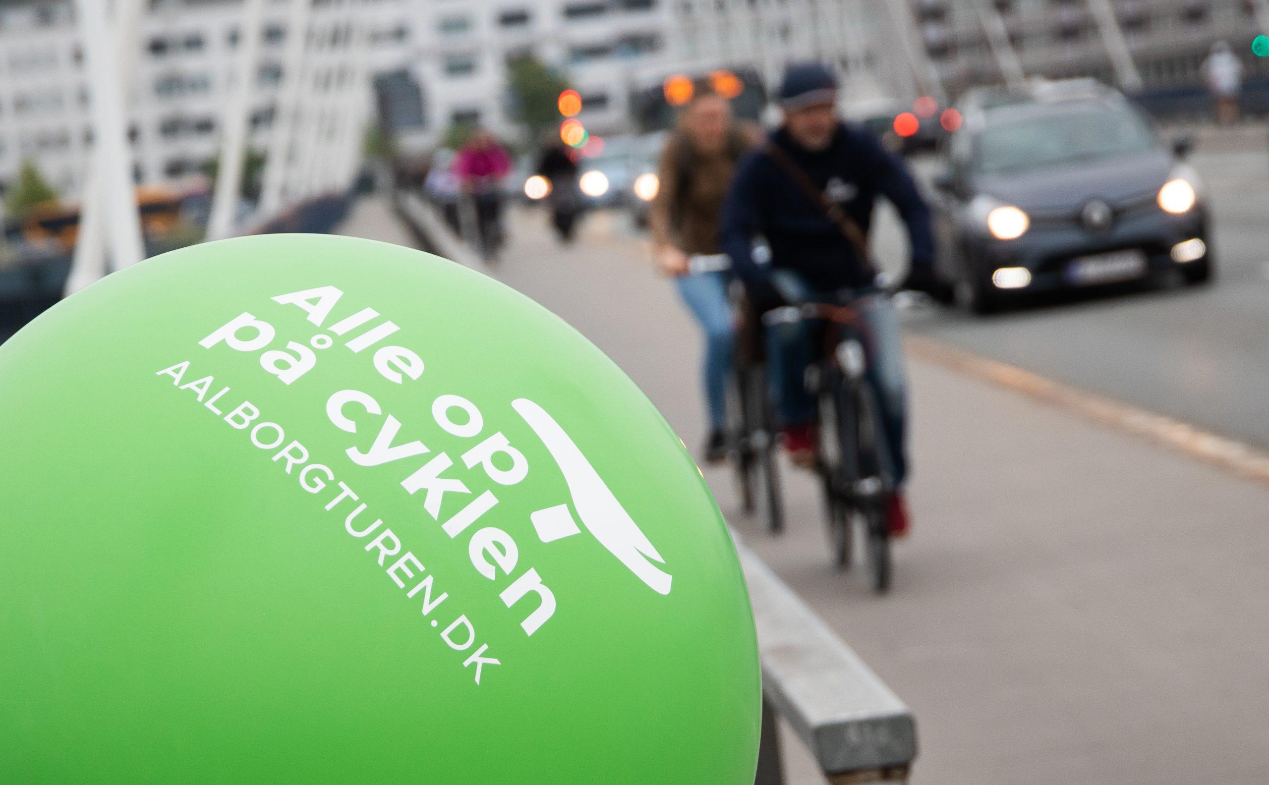 Tour-stemning i Aalborg: Politikere hepper folk på job og skole i morgen
