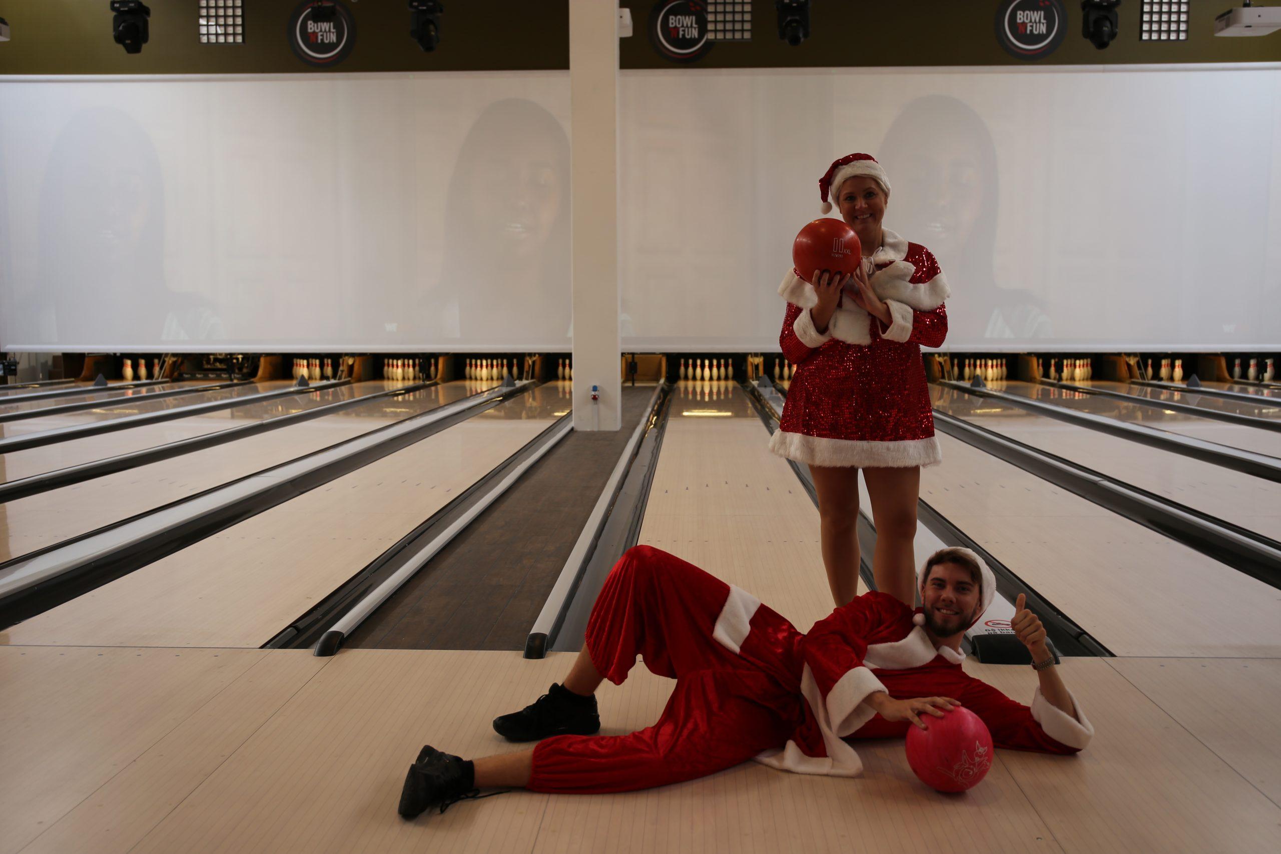 Mad, drikke og underholdning ad libitum: Kom til årets sjoveste julefrokost i Maximum