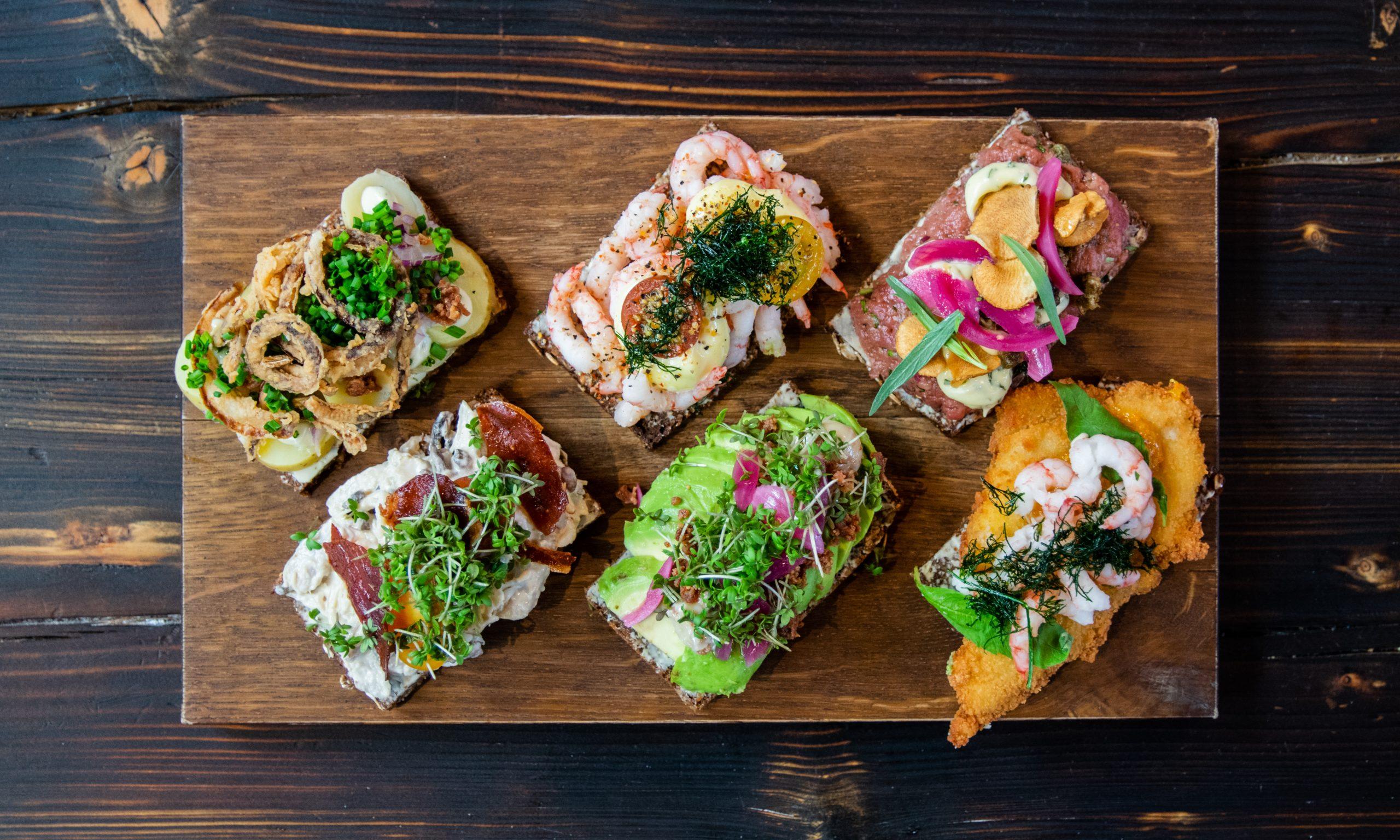 Aktuel er blandt byens bedste: Få en smørrebrøds-boks til 2 personer til særpris