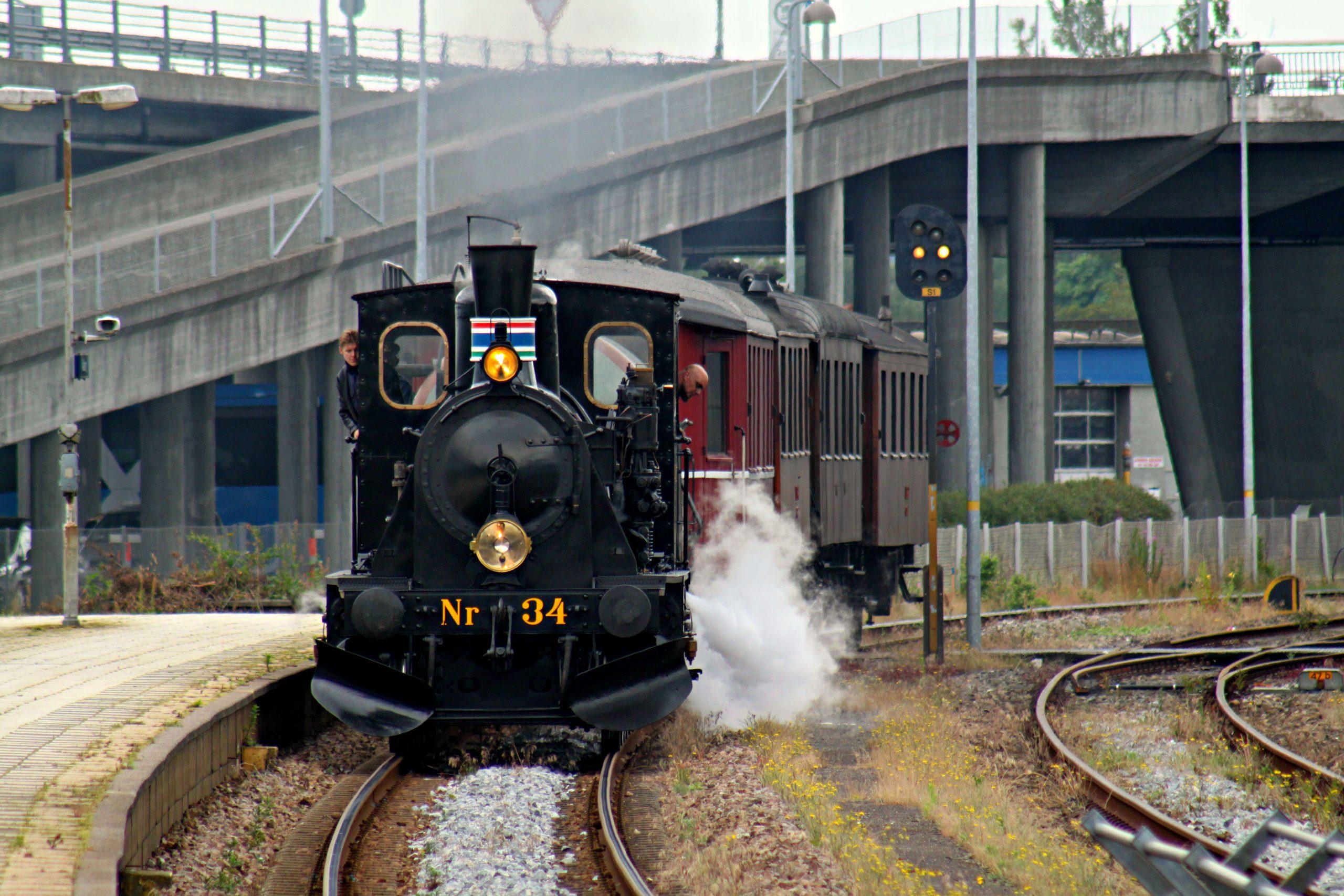 Oplev den nye strækning: Veterantog kører til Aalborg Lufthavn i sommerferien