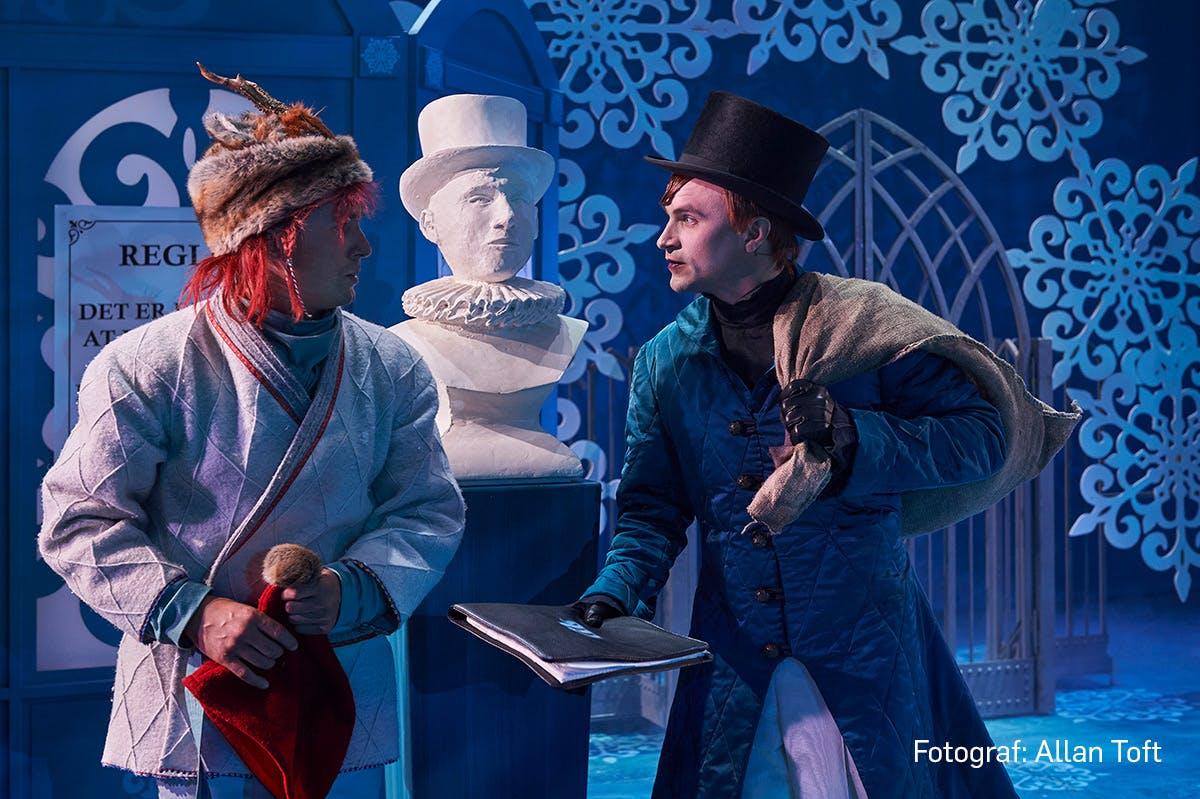 Magi og politik: Et kæmpe bifald til Aalborg Teaters Snefald