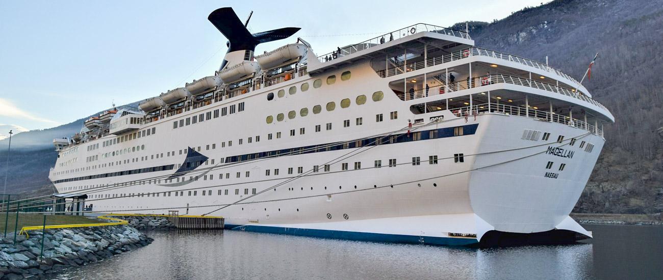Blev bygget i Aalborg: Kæmpe krydstogtsskib er sejlet på skibskirkegården