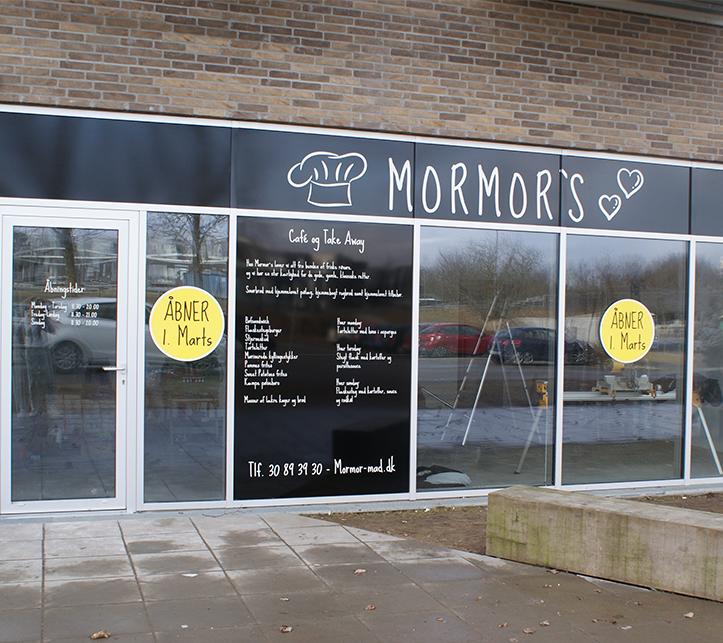 Bøfsandwich, tarteletter og smørrebrød: Mormors Café åbner i Aalborg
