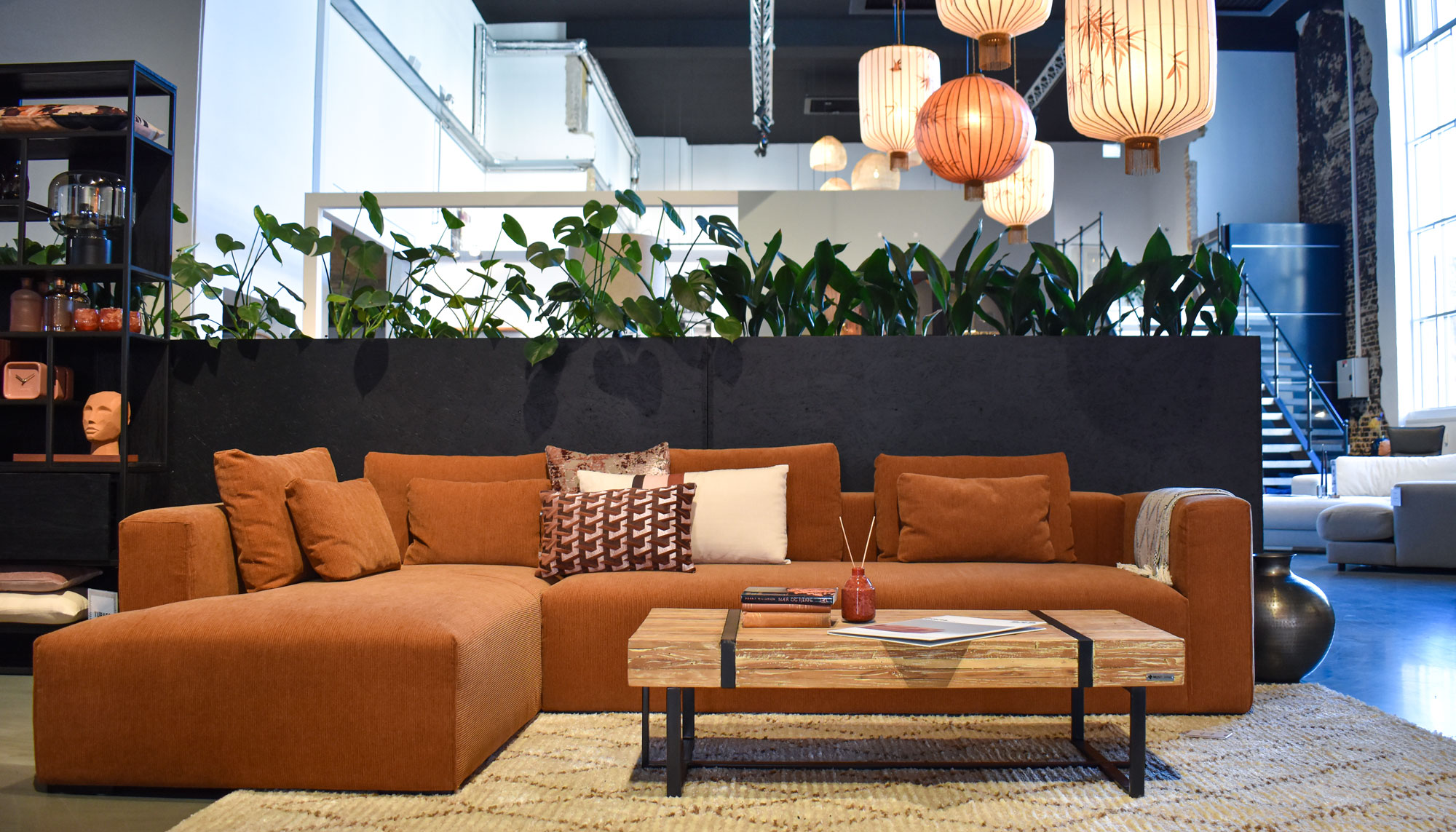 Helt unik møbelbutik midt i Aalborg: Hos BoShop kan du selv skræddersy din sofa