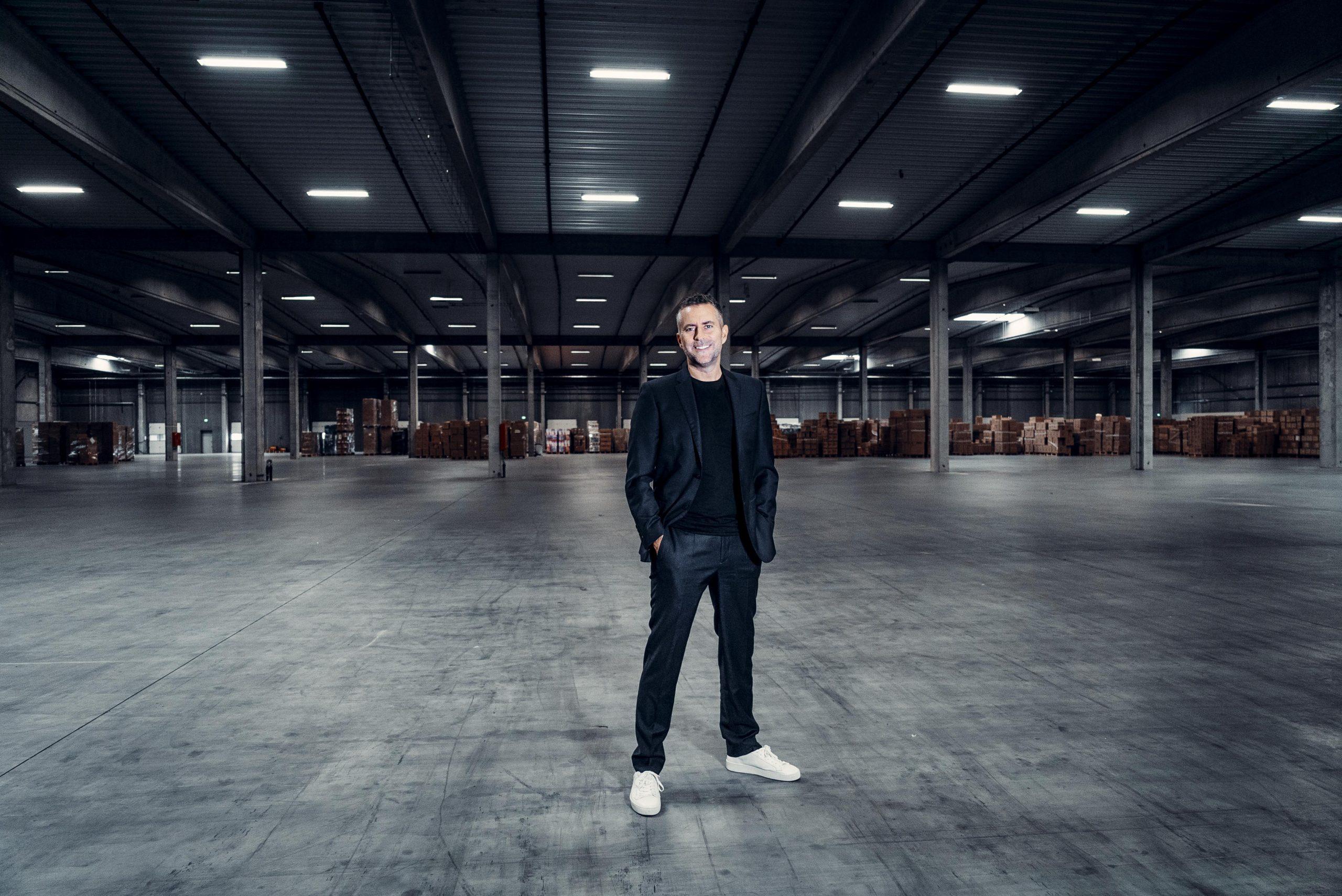 Kæmpe handel: Danmarks rigeste køber stor andel af Coolshop