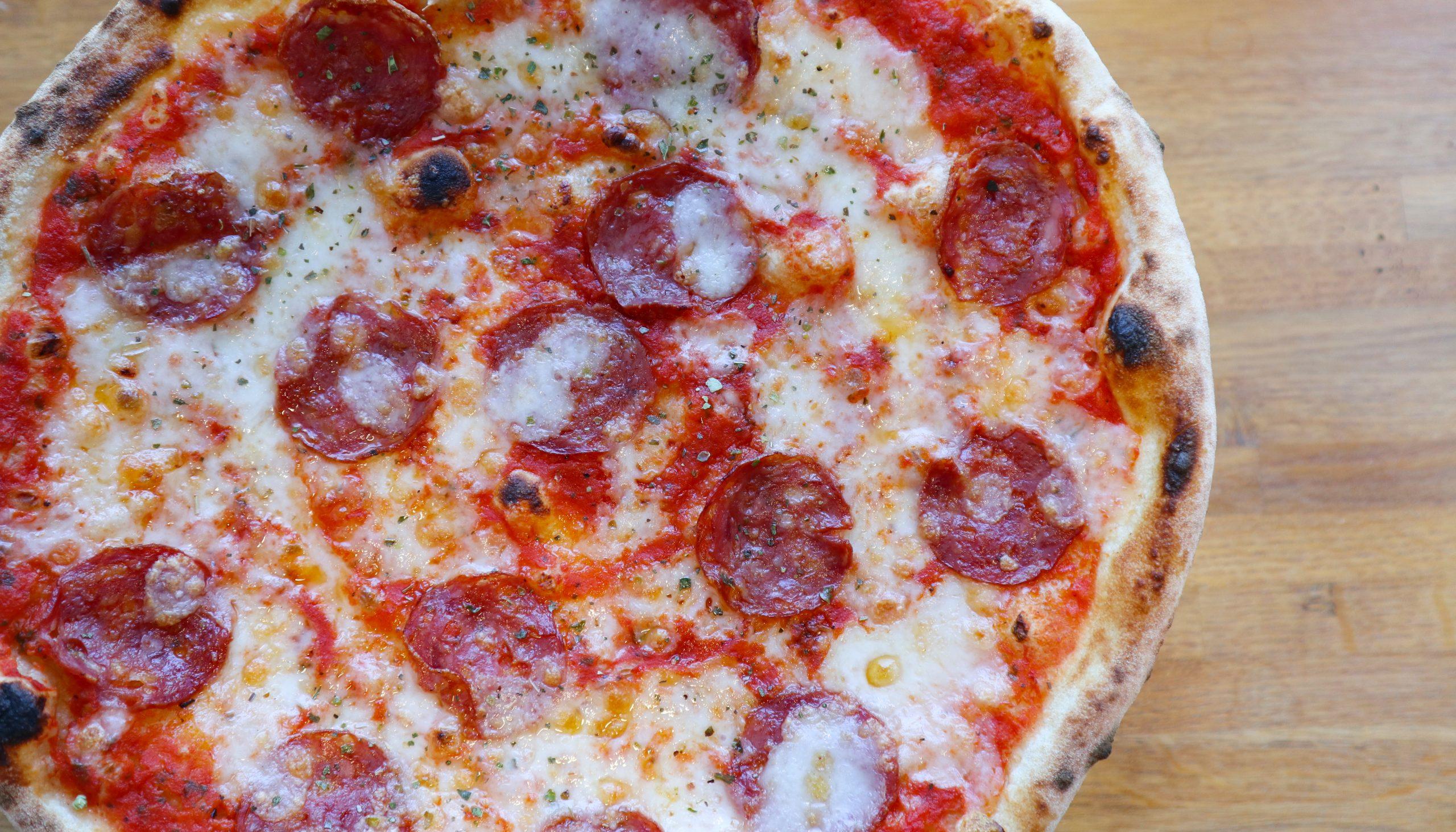 Du sparer 30%: Lækre italienske pizzaer fra Pizzahytten i Aalborg til kun 55 kr.