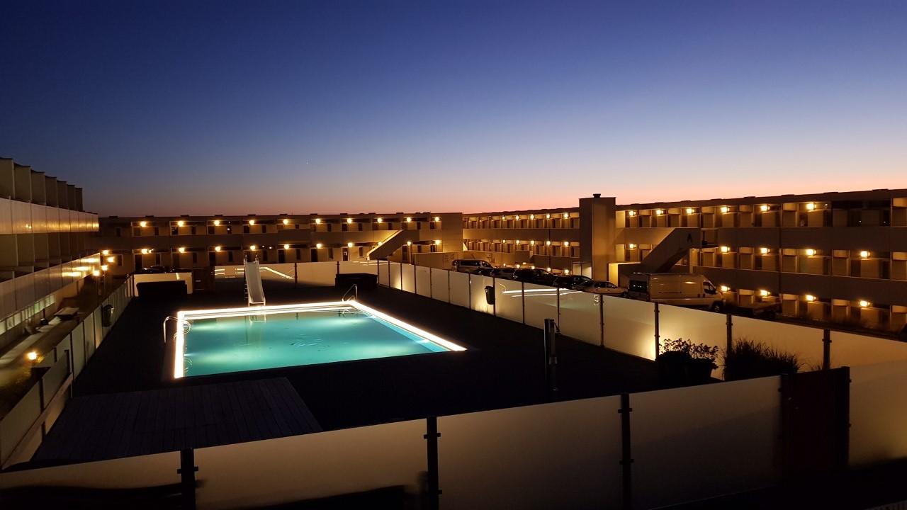 Perfekt getaway til påske: Her får du opvarmet pool og første klitrække i Blokhus