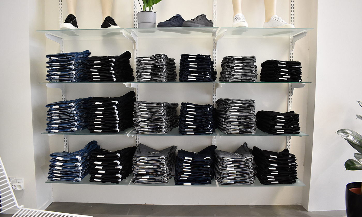 Populær Aalborg-butik klar til sommeren: 100.000 par shorts er på hylderne