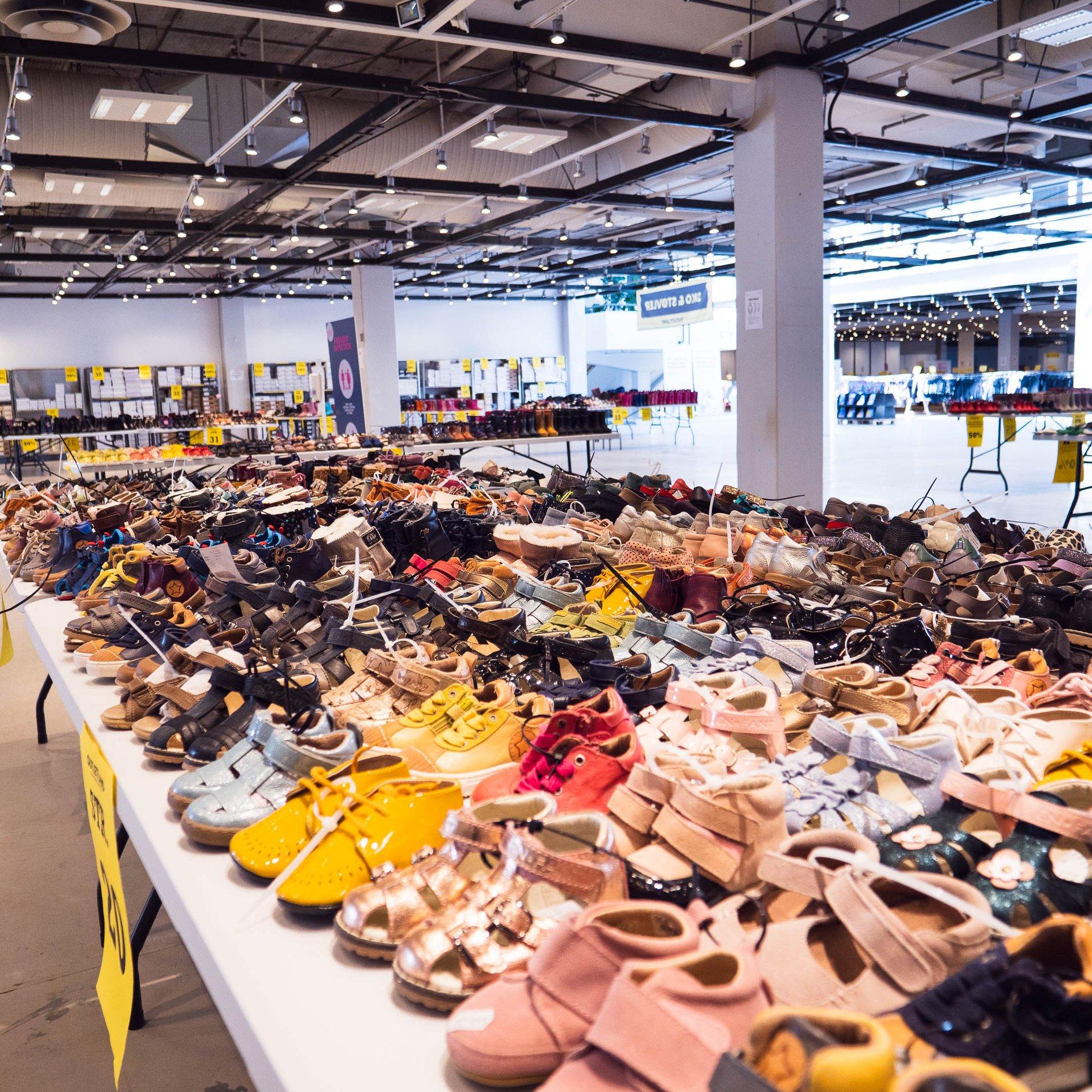 Spar op til 80%: Danmarks største børnetøjs-outlet åbner snart kæmpe butik