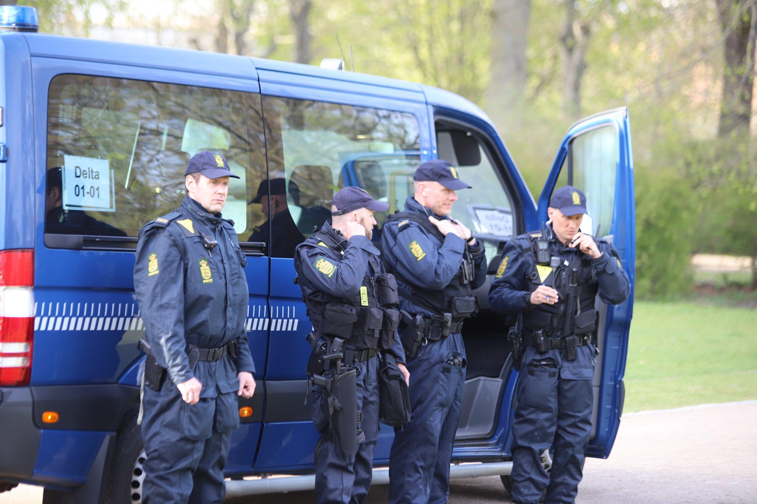 Politiet gør status på demonstration i Aalborg: En person anholdt, flere sigtede