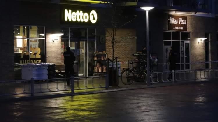 Drama i Aalborg i aften: Kvinde med barn blev knivstukket