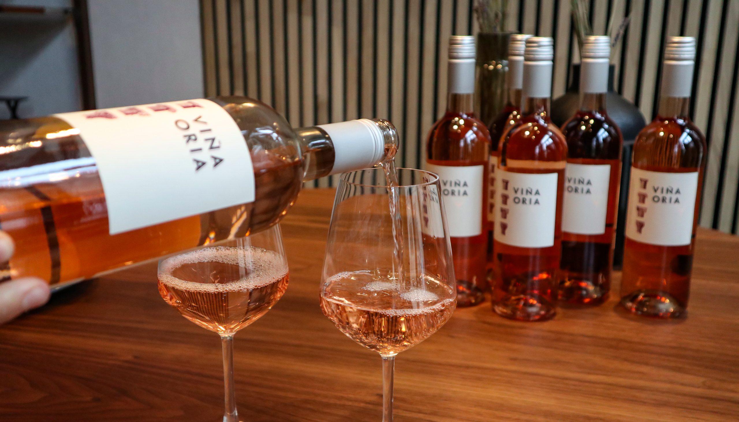 Kun med MigogAalborg: Seks flasker rosé fra Holte Vinlager til 289 kr.