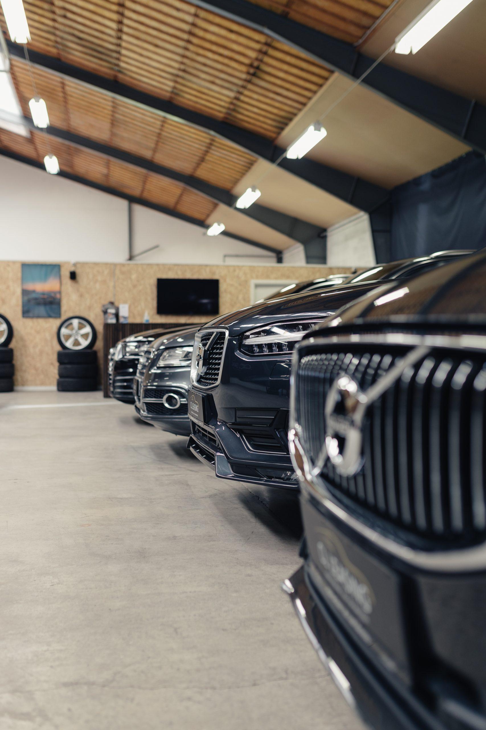 Fede biler med ekstraordinær service: CL Leasing har fået en flyvende start