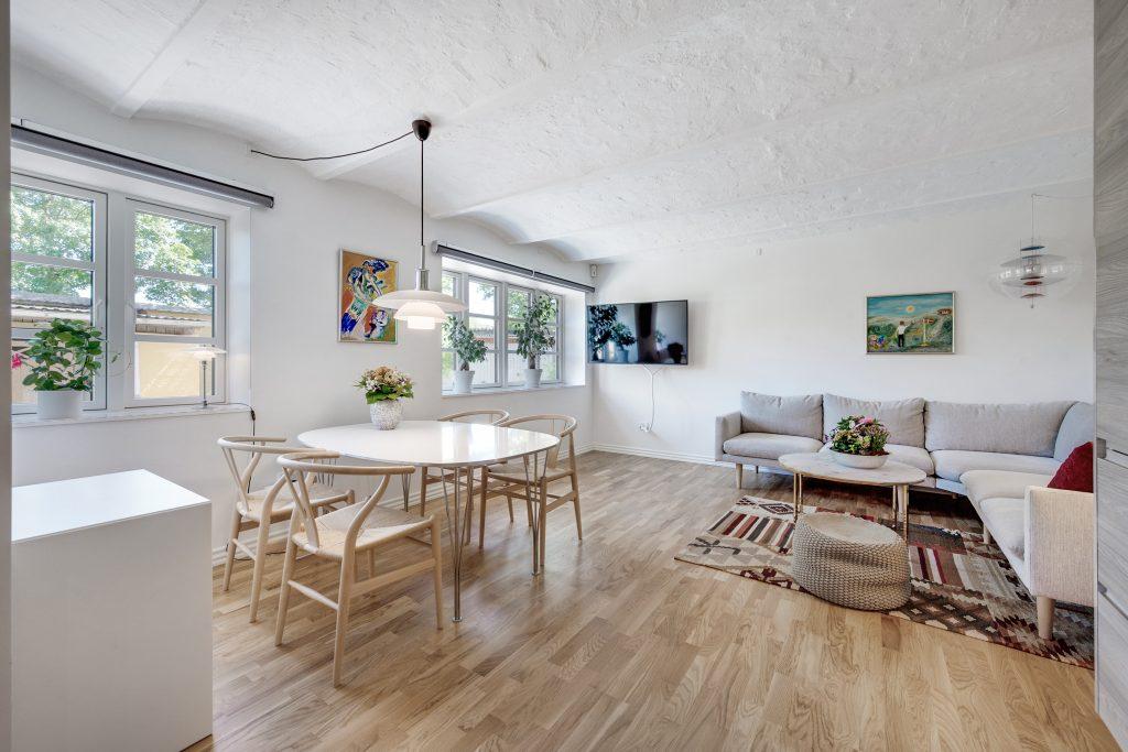 Sjældent de er til salg: Få dit helt eget smukke byhus midt i Aalborg