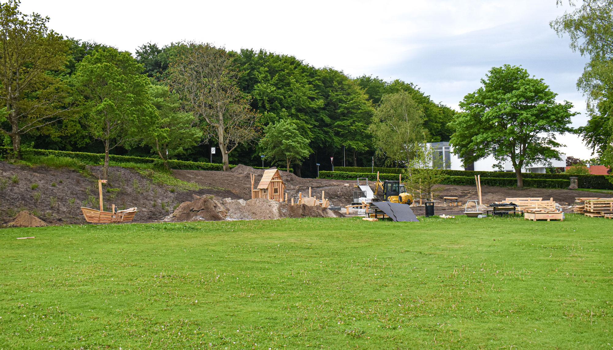 Genbrug og naturmaterialer: Ny legeplads opføres i Mølleparken