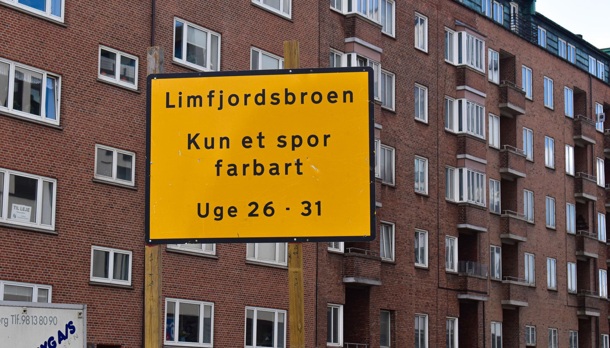Starter i morgen: Vejarbejde påvirker trafikken på Limfjordsbroen hele sommeren