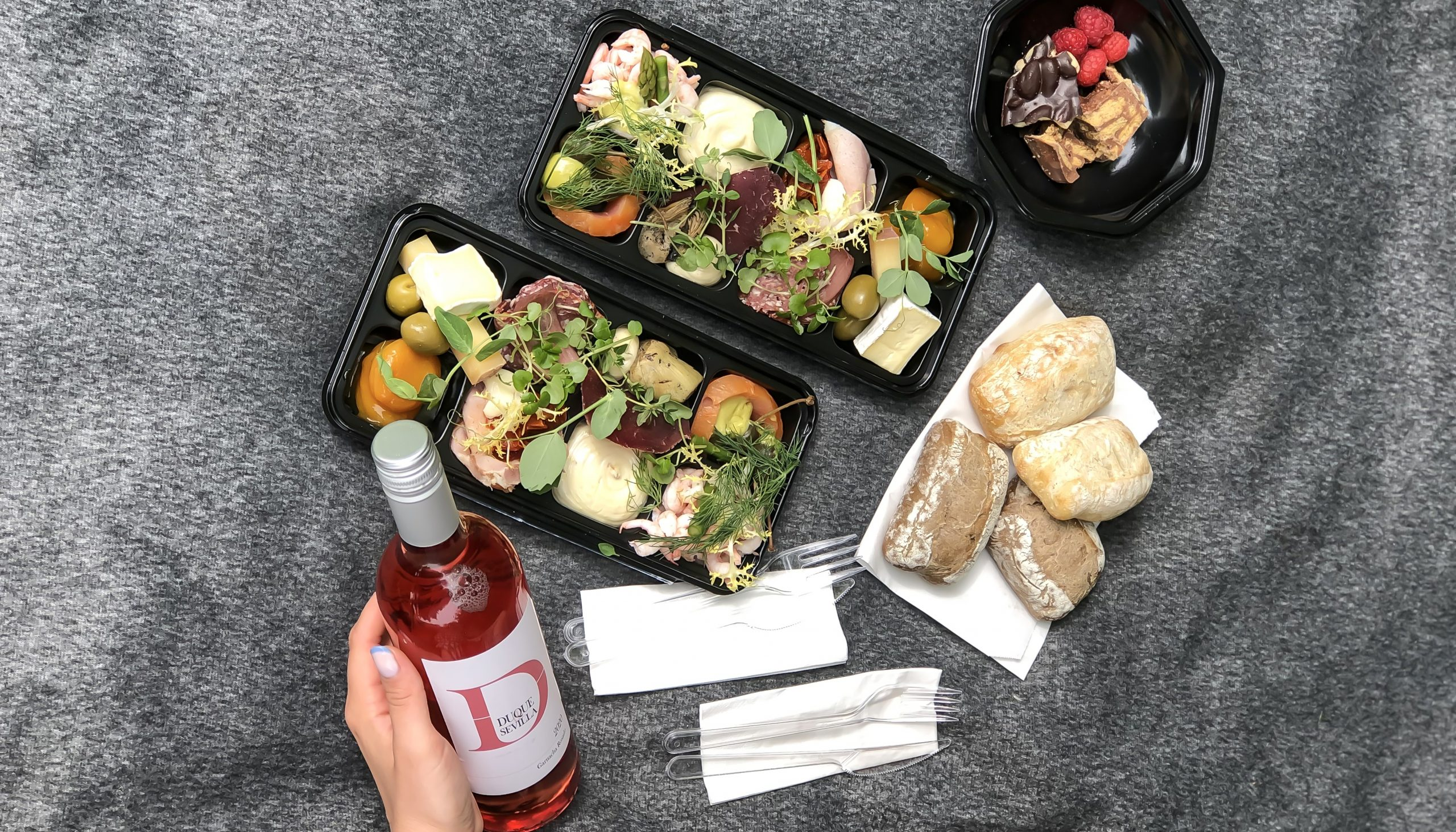Sidste chance: Få en picnickurv med tapas og vin til 2 personer til 210 kr.