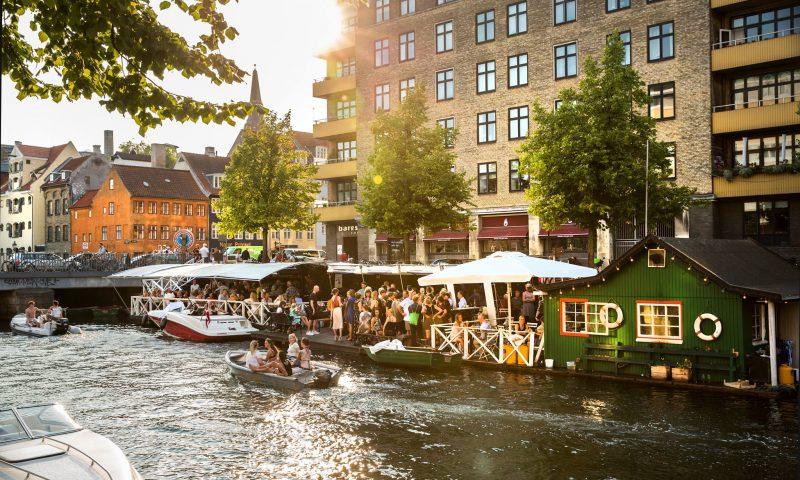 Hos Christianshavns Bådudlejning kan man leje en hyggelig træjolle. Foto: PR