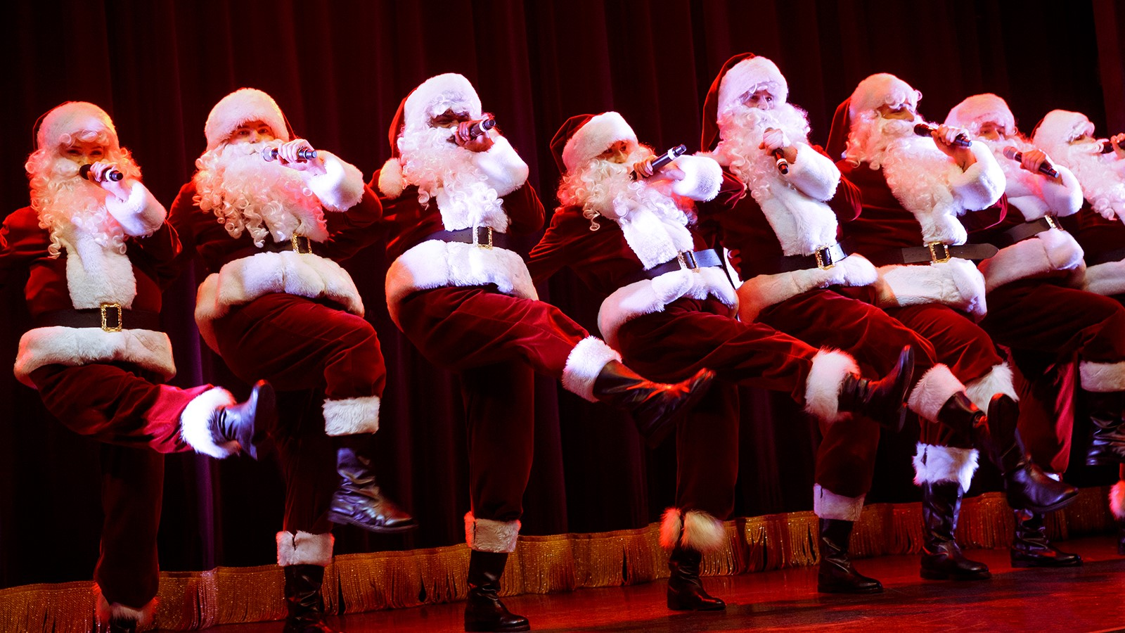 Det vildeste show: Kom til legendarisk julefest med Wallmans Christmas Show i AKKC
